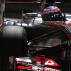 Jenson Button exprime su MP4-28 en el trazado de Mónaco