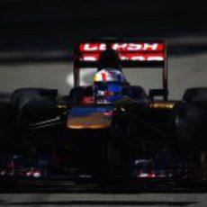 Jean Eric Vergne rueda con el compuesto blando por las calles de Mónaco