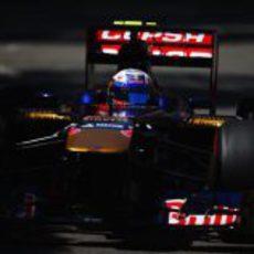 Daniel Ricciardo rueda con los superblandos