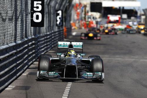 Nico Rosberg lideró sin problemas en Mónaco