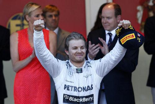 Nico Rosberg gana en Mónaco 30 años después que su padre