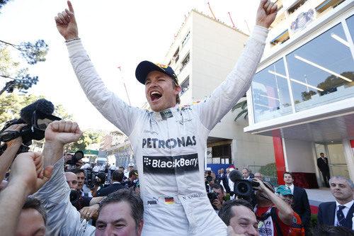 Nico Rosberg celebra la victoria del GP de Mónaco