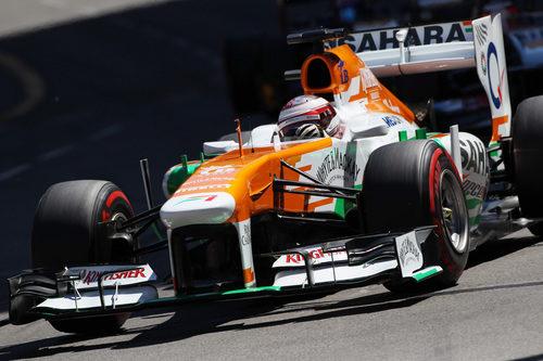 Paul di Resta rueda en el complicado trazado de Mónaco