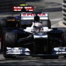 Pastor Maldonado conduce el FW35 por las calles de Mónaco