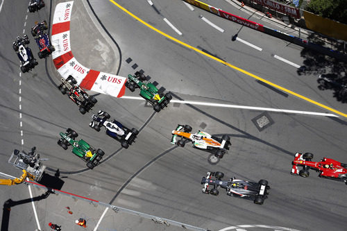Vista de pájaro de algunos coches en Mónaco