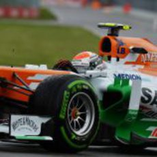 Adrian Sutil rueda con el compuesto intermedio en Montreal