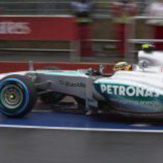 Lewis Hamilton llega al pitlane d Montreal