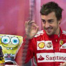 Bob Esponja, el nuevo amigo de Fernando Alonso