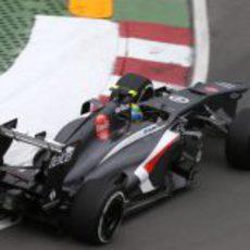 Esteban Gutiérrez afronta una de las curvas del circuito Gilles-Villeneuve