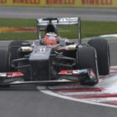 Nico Hülkenberg afronta con los medios una de las curvas del circuito Gilles-Villeneuve