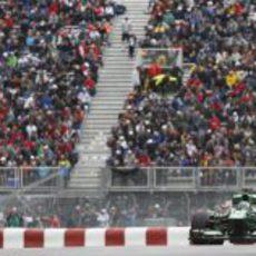 Charles Pic pasa por la gran recta del circuito Gilles-Villeneuve