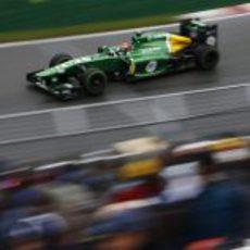 Alexander Rossi sufre una sesión pasada por agua con su CT03