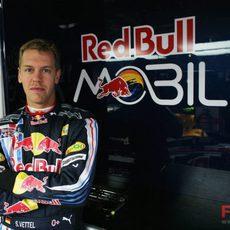Vettel en su box