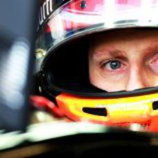 Mirada pensativa de Romain Grosjean
