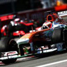 Paul di Resta alargó su primer stint más de 50 vueltas