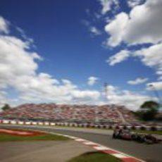 Jenson Button a toda velocidad durante el GP de Canadá 2013