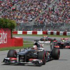 Nico Hülkenberg mantiene a raya a ambos McLaren