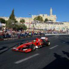 El F60 a toda velocidad por las calles de Jerusalén