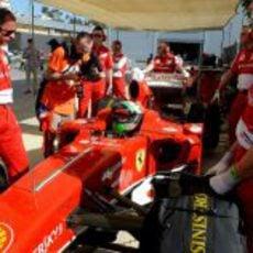 Giancarlo Fisichella dentro del F60