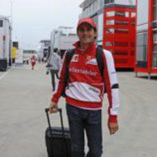 Pedro de la Rosa llega a Gran Bretaña con Ferrari