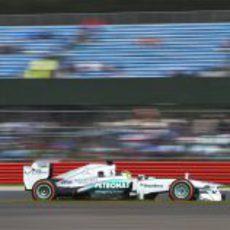 Nico Rosberg rueda con el neumático duro