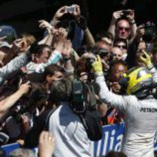 Nico Rosberg, recibido entre vítores