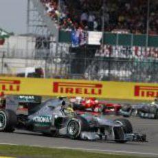 Lewis Hamilton sufrió un reventón de Pirelli