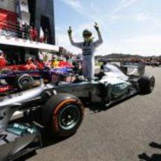 Nico Rosberg celebra su victoria en Silverstone