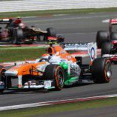 Adrian Sutil lidera el grupo del medio
