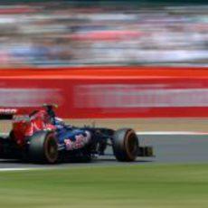 Daniel Ricciardo rueda con los duros