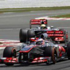 Jenson Button, por delante de su compañero