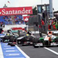 Sutil, Gutiérrez y Rosberg entrando a boxes de forma sincronizada