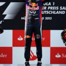 Salto de triunfo de Sebastian Vettel