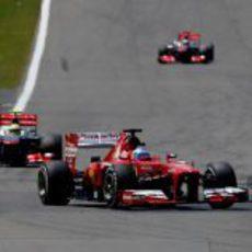 Fernando Alonso no pudo con el ritmo de Lotus