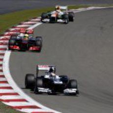 Pastor Maldonado avanza en pista