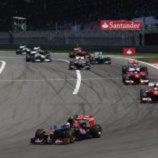 Daniel Ricciardo lucha por los puntos
