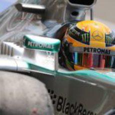 Lewis Hamilton consigue la 30ª pole de su carrera
