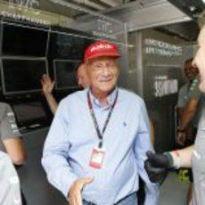 Niki Lauda, contento con la pole de Mercedes