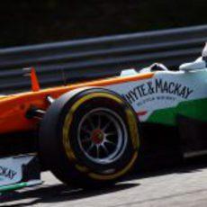 Paul di Resta sufre con el neumático blando