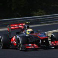 Sergio Pérez clasifica con neumáticos medios