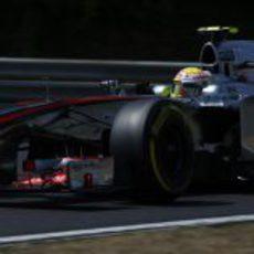 Sergio Pérez da el máximo para pasar a Q3