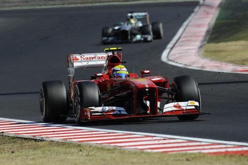 Felipe Massa estuvo rodando con el alerón delantero dañado