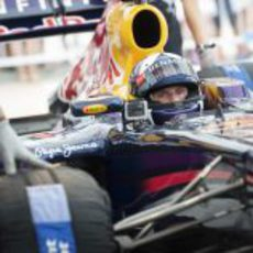 Coulthard se sube al Red Bull RB7