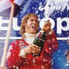 Chris Hemsworth, de celebración en el podio