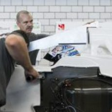 Sergey Sirotkin se prepara su asiento