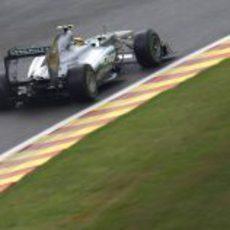 Lewis Hamilton en los libres 1 de Spa