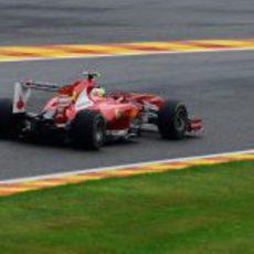 Felipe Massa rueda con el compuesto intermedio