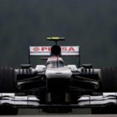 Valtteri Bottas a toda velocidad con los neumáticos intermedios