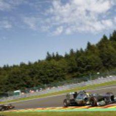 Lewis Hamilton y Romain Grosjean, en los libres
