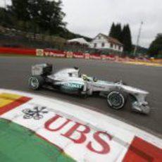 Nico Rosberg en la primera curva de Spa